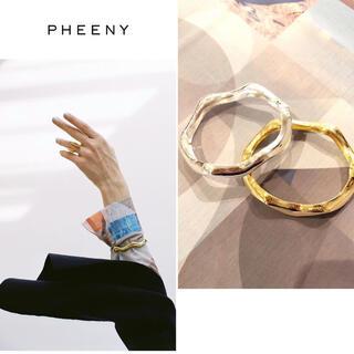 フィーニー(PHEENY)のPHEENY フィーニー Wave blacelet  シルバー(ブレスレット/バングル)