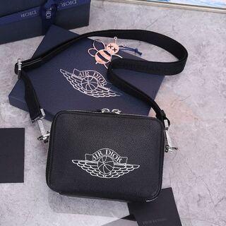 ディオール(Dior)のクリスチャンディオール カメラバッグ ショルダーバッグ(ショルダーバッグ)