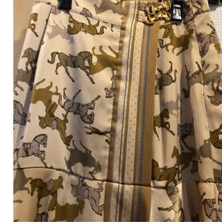 リリーブラウン(Lily Brown)のタグ付き新品 リリーブラウン ホース柄スカート(ひざ丈スカート)
