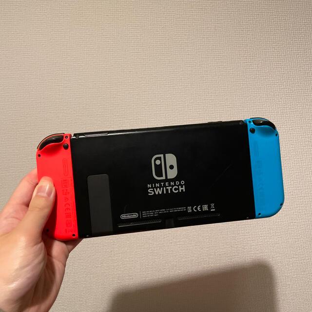 Nintendo Switch(ニンテンドースイッチ)の新型モデル 使用期間1ヶ月 Nintendo Switch 任天堂スイッチ 本体 エンタメ/ホビーのゲームソフト/ゲーム機本体(家庭用ゲーム機本体)の商品写真