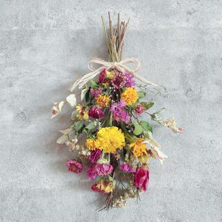 夏にぴったり*他種のお花のスワッグ*インテリア ドライフラワー 壁掛け 贈り物(ドライフラワー)