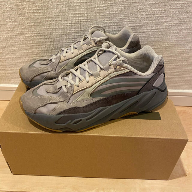adidas(アディダス)のadidas YEEZY BOOST 700 27.0cm メンズの靴/シューズ(スニーカー)の商品写真