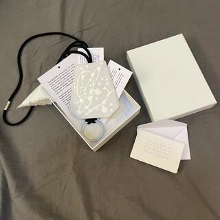 マルタンマルジェラ(Maison Martin Margiela)の【新品】メゾンマルジェラ キーリングネックレス ドリッピング加工 ホワイト(ネックレス)