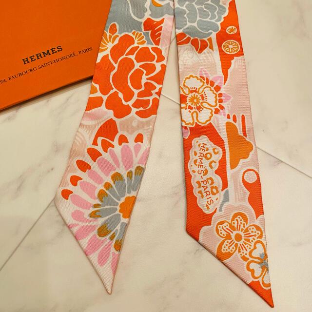 Hermes(エルメス)の【新品未使用】エルメス 最新作 ツイリー ビンガタ 紅型 2021AW レディースのファッション小物(バンダナ/スカーフ)の商品写真