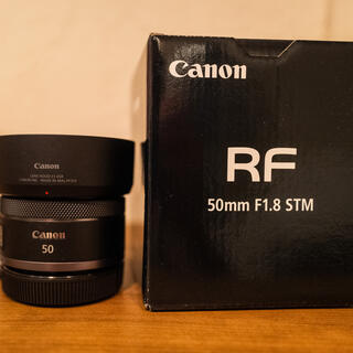 Canon - Canon キャノンRF 50mm  F1.8 STM 純正フード付き