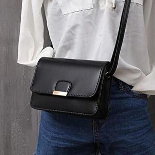 【ブラック】小型でシンプルな ショルダーバッグ