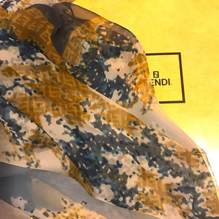 フェンディ(FENDI)の希少 フェンディ シルクスカーフ シフォンタイプ wonderful art(バンダナ/スカーフ)
