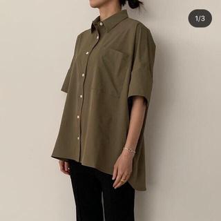 ドゥーズィエムクラス(DEUXIEME CLASSE)のyonfa ヨンファ big box shirt ビッグボックスシャツ カーキ(シャツ/ブラウス(半袖/袖なし))