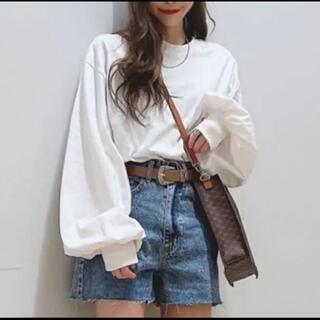 ウィゴー(WEGO)のWEGO ボリュームギャザースリーブロングTシャツ(Tシャツ(長袖/七分))