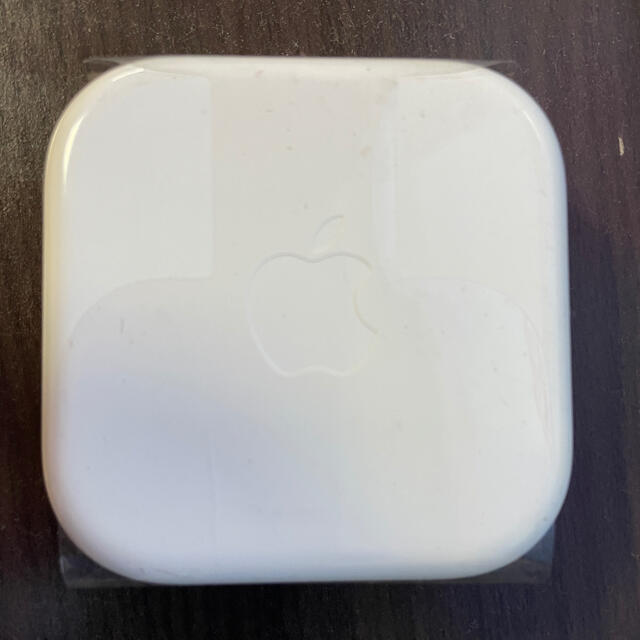 Apple(アップル)の【新品・未使用】iphone 純正イヤホン(イヤホンジャック) スマホ/家電/カメラのオーディオ機器(ヘッドフォン/イヤフォン)の商品写真
