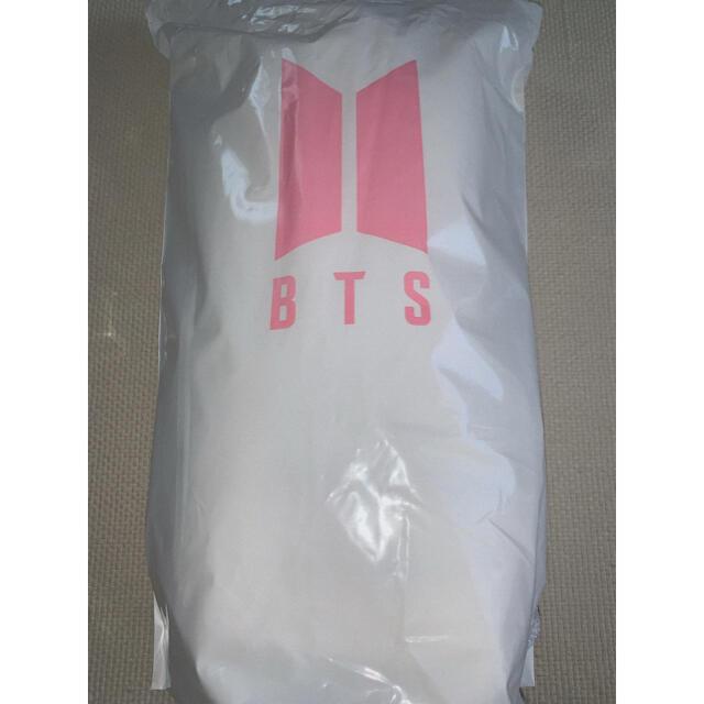 BTS ポップアップストア クッション エンタメ/ホビーのタレントグッズ(アイドルグッズ)の商品写真