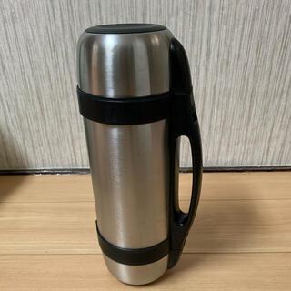 ステンレス水筒 上下で異なる飲料が入る。(水筒)