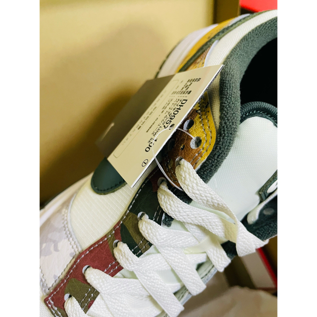 NIKE(ナイキ)のNIKE DUNK LOW Sail Multi-Camo 27.5 メンズの靴/シューズ(スニーカー)の商品写真