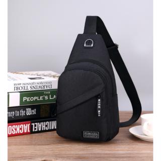 新品ボディーバッグ 軽量シンプルポケット多数 散歩用 激安 送料込 黒(ボディーバッグ)