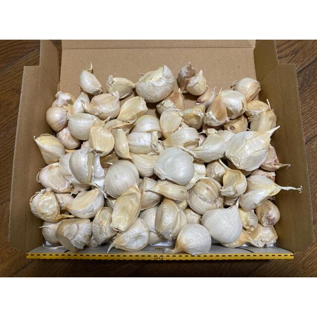 青森県産 福地ホワイト6片 ニンニク1kg にんにく バラ 食品/飲料/酒の食品(野菜)の商品写真