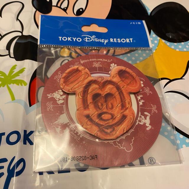 Disney(ディズニー)のディズニーランド ディズニーリゾート 限定 グッズ ミッキーワッフル メモ 2種 エンタメ/ホビーのおもちゃ/ぬいぐるみ(キャラクターグッズ)の商品写真
