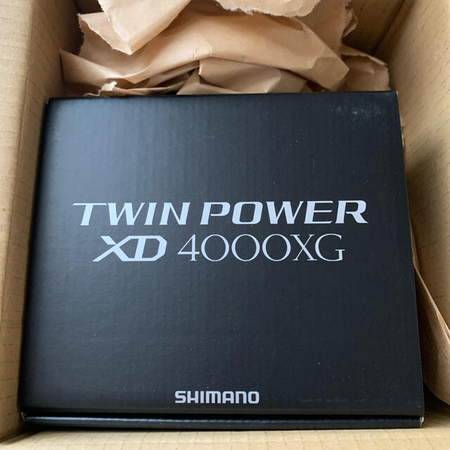 SHIMANO(シマノ)のシマノ21ツインパワーXD4000XG新品未使用 スポーツ/アウトドアのフィッシング(リール)の商品写真