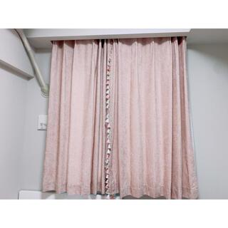 ニトリ(ニトリ)のカーテン(レースカーテンと飾りセット)(カーテン)