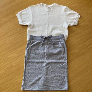 ユニクロ(UNIQLO)のUNIQLO カットソー&スカートのセット(ひざ丈スカート)