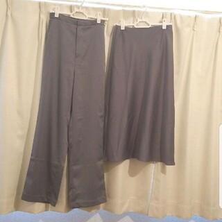 ユニクロ(UNIQLO)の【新品未使用】サテンパンツスカートセット【タグ付き】(ロングスカート)