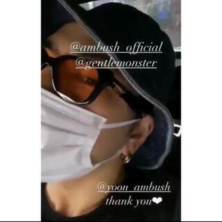 GENTLE MONSTER X AMBUSH CARABINER 1