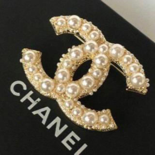CHANEL - 真珠のブローチ