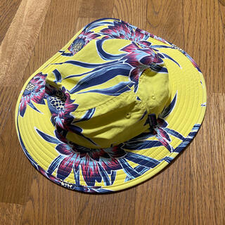 パタゴニア(patagonia)のパタゴニア ハット 帽子 花柄 紐付き 顎紐 ノースフェイス 黄色(ハット)