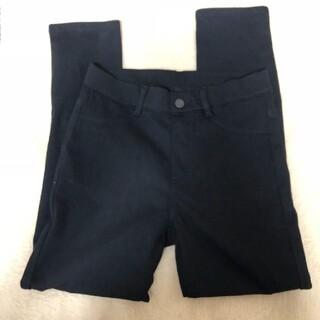 ユニクロ(UNIQLO)の新品 ユニクロ 黒パンツ S(カジュアルパンツ)