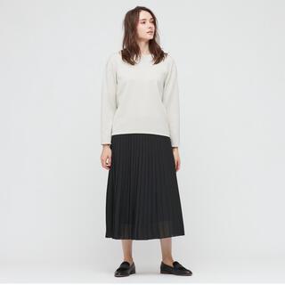 ユニクロ(UNIQLO)のユニクロ プリーツスカート ブラック 新品未使用(ロングスカート)