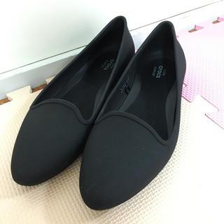 クロックス(crocs)のcrocs eve flat W7 新作(ローファー/革靴)