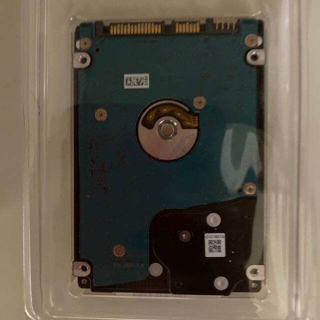 東芝(トウシバ)の東芝 2.5インチ HDD 750GB、値引き可能。 スマホ/家電/カメラのPC/タブレット(PCパーツ)の商品写真