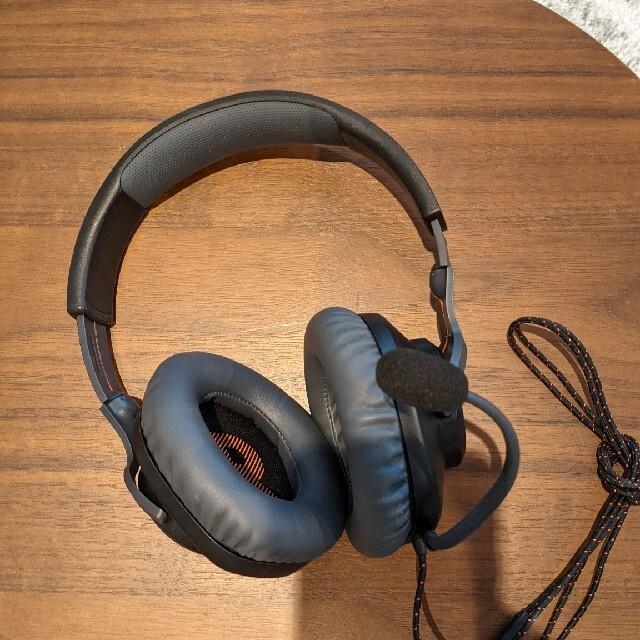JBL QUANTUM 100 スマホ/家電/カメラのオーディオ機器(ヘッドフォン/イヤフォン)の商品写真