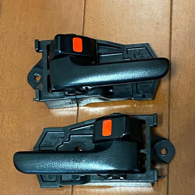 ダイハツ(ダイハツ)のコペン L880K ドア 左右 インナーハンドル 自動車/バイクの自動車(車種別パーツ)の商品写真