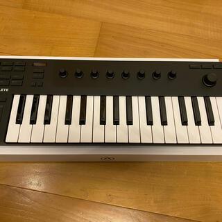 【美品・送料込】Komplete kontrol M32(MIDIコントローラー)