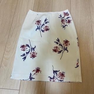ビーラディエンス(BE RADIANCE)の花柄タイトスカート♡ビーラディエンス(ひざ丈スカート)