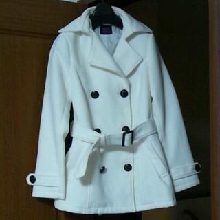 ラブジャンキー(LOVE JUNKIE)のホワイトコート(ロングコート)