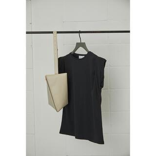 エンフォルド(ENFOLD)のRIM.ARK リムアーク今季完売新品未使用 Twist sleeve T/SH(Tシャツ(半袖/袖なし))