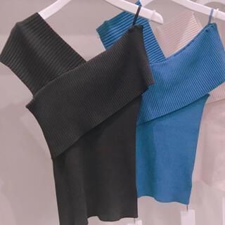 フレイアイディー(FRAY I.D)の専用です💜フレイアイディー❤️ワンショルダーニットブラック❤️新品未使用💕(Tシャツ(半袖/袖なし))
