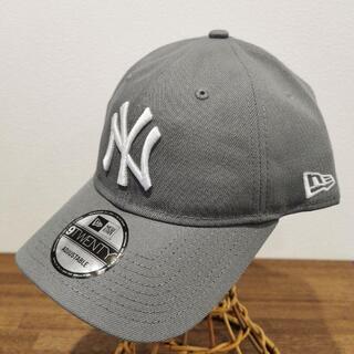 モマ(MOMA)の【新品】 MOMA x Yankees New Era Capグレーとネイビー(キャップ)