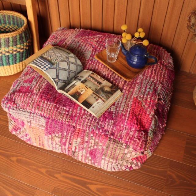 ヴィンテージ ブジャド プフ パープル インテリア/住まい/日用品のソファ/ソファベッド(オットマン)の商品写真
