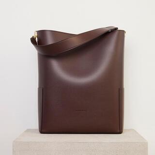 フレイアイディー(FRAY I.D)の【RANDEBOO】bucket bag (dark brown)(トートバッグ)