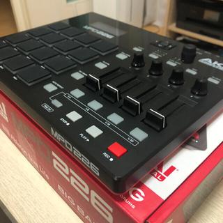 AKAI ( アカイ )  MPD226 MIDIパッドコントローラー(MIDIコントローラー)