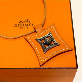 エルメス(Hermes)の☆良品 エルメス トゥアレグ シルバー & レザー チョーカー ネックレス(ネックレス)