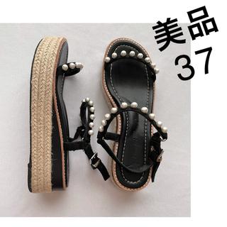 ツルバイマリコオイカワ(TSURU by Mariko Oikawa)のツルバイマリコオイカワ パールサンダル 37 黒ブラックTSURU23.5 24(サンダル)