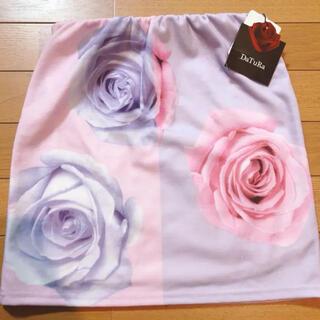 ダチュラ(DaTuRa)のDaTuRa 薔薇柄タイトスカート(ミニスカート)