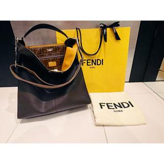 フェンディ(FENDI)の最終値下げ!FENDI フェンディ メンズ ピーカブー セレリア(ショルダーバッグ)