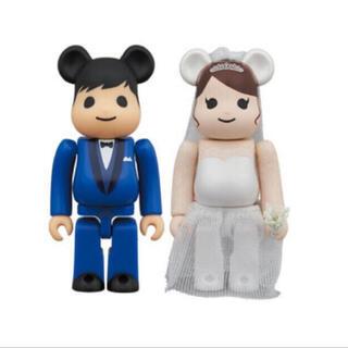 メディコムトイ(MEDICOM TOY)のベアブリック 結婚 4 PLUS 100% MEDICOM TOY PLUS  (キャラクターグッズ)