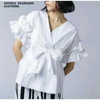 ダブルスタンダードクロージング(DOUBLE STANDARD CLOTHING)の【未使用タグ付き】ダブルスタンダードクロージング 2021SSフリルブラウス(シャツ/ブラウス(半袖/袖なし))