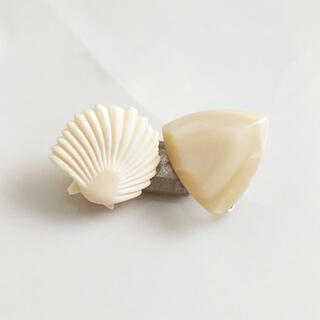 エイボン(AVON)のVintage * white earring set(イヤリング)