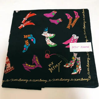 BETSEY JOHNSON - 新品 ベッツィジョンソン ハンカチ 靴柄 ミニスカーフ